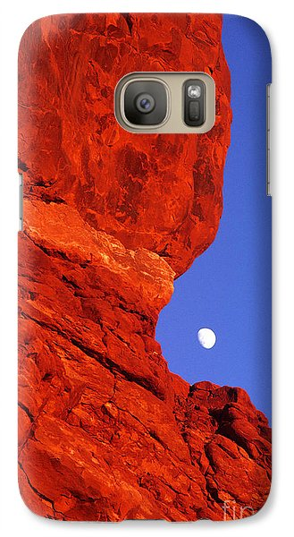 Galaxy Case featuring the photograph Moonrise Balanced Rock Arches National Park Utah by Dave Welling