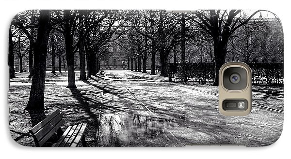 Galaxy Case featuring the photograph Morning In The Hofgarten by Ross Henton