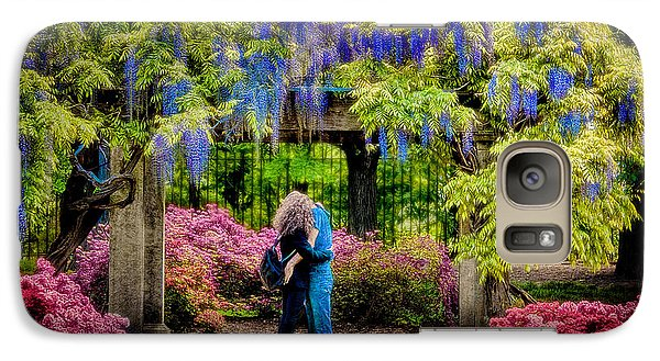 Galaxy Case featuring the photograph New York Lovers In Springtime by Chris Lord