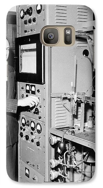 Nier And Mass Spectroscopy Equipment Galaxy Case by Emilio Segre Visual Archives/american Institute Of Physics