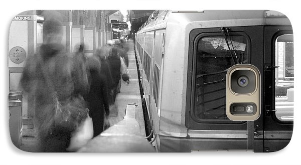 Train Galaxy S7 Case - Metro North/ct Dot Commuter Train by Mike McGlothlen