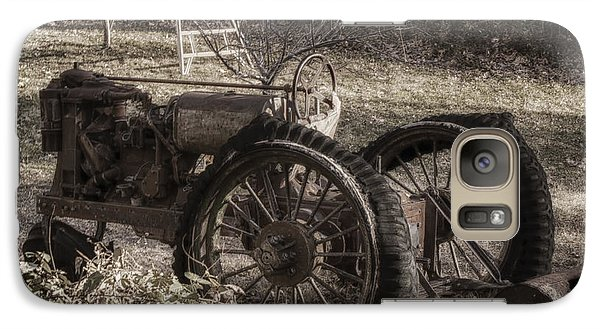 Old Tractor Galaxy S7 Case by Lynn Geoffroy