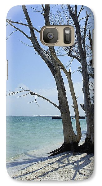 Galaxy Case featuring the photograph Old Tree by Laurie Perry