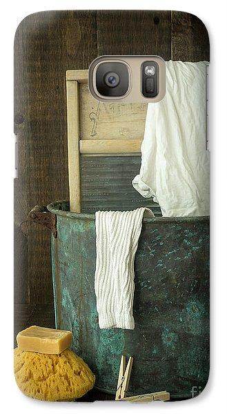 Old Washboard Laundry Days Galaxy S7 Case by Edward Fielding