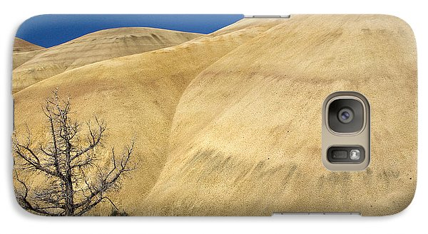 Galaxy Case featuring the photograph Painted Hills Tree by Sonya Lang