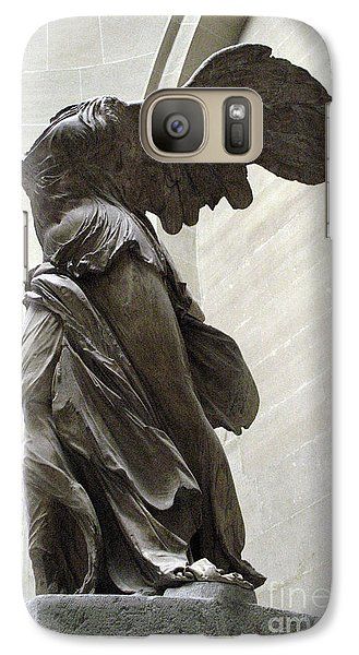 Louvre Galaxy S7 Case - Paris Angel Louvre Museum- Winged Victory Of Samothrace by Kathy Fornal