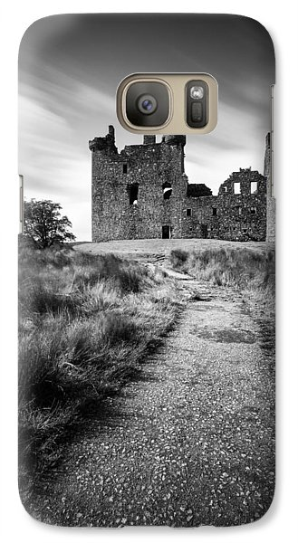 Castle Galaxy S7 Case - Path To Kilchurn Castle by Dave Bowman