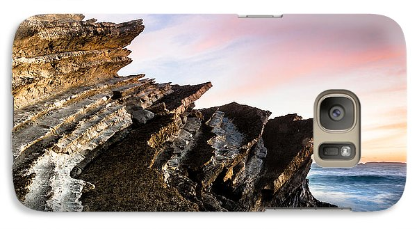 Galaxy Case featuring the photograph Pointing To The Sky by Edgar Laureano