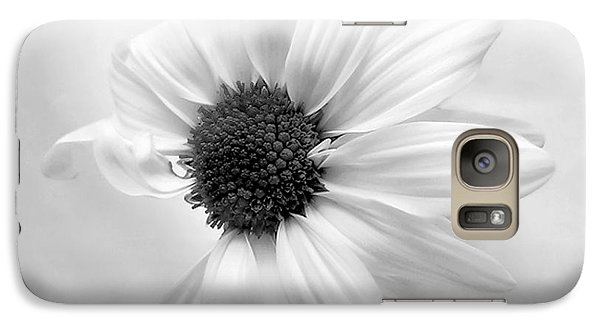 Galaxy Case featuring the photograph Portrait Of A Daisy by Louise Kumpf