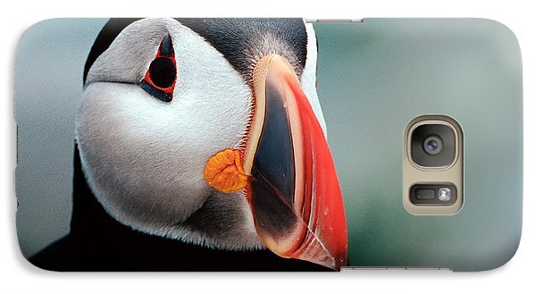 Galaxy Case featuring the photograph Puffin Head Shot by Jerry Fornarotto