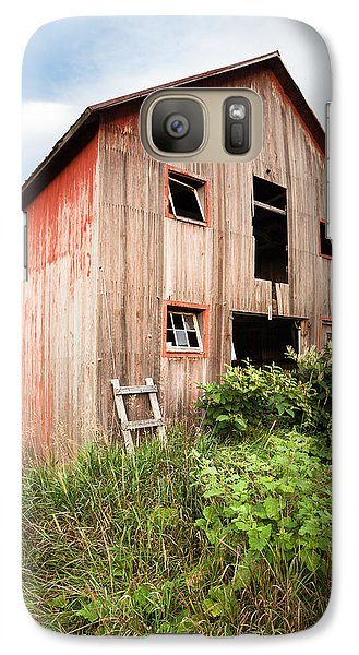 Galaxy Case featuring the photograph Red Shack On Tucker Rd - Vertical Composition by Gary Heller