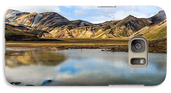 Galaxy Case featuring the photograph Reflections On Landmannalaugar by Peta Thames