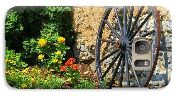 Galaxy Case featuring the photograph Retired Wagon Wheel by Jeanette Oberholtzer