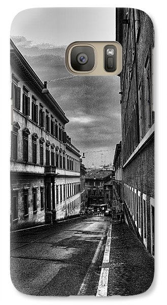 Galaxy Case featuring the photograph Road At Night by Oscar Alvarez Jr