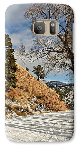 Galaxy Case featuring the photograph Road To The Lake by Sue Smith