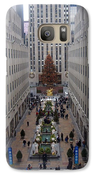 Galaxy Case featuring the photograph Rockefeller Plaza At Christmas by Judith Morris