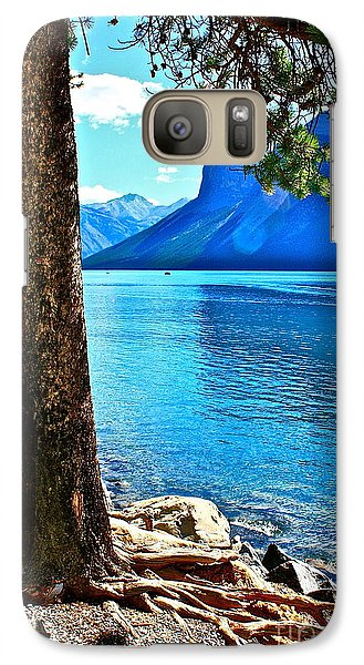 Galaxy Case featuring the photograph Rooted In Lake Minnewanka by Linda Bianic