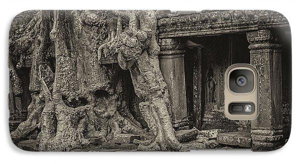 Roots In Ruins 7, Ta Prohm, 2014 Galaxy S7 Case by Hitendra SINKAR