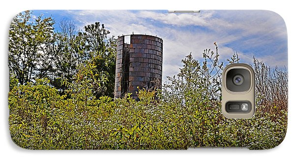 Galaxy Case featuring the photograph Sad Silo by Linda Brown