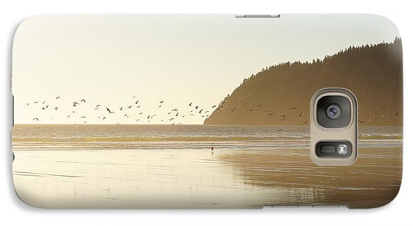 Galaxy Case featuring the photograph Seagulls Aplenty by Angi Parks