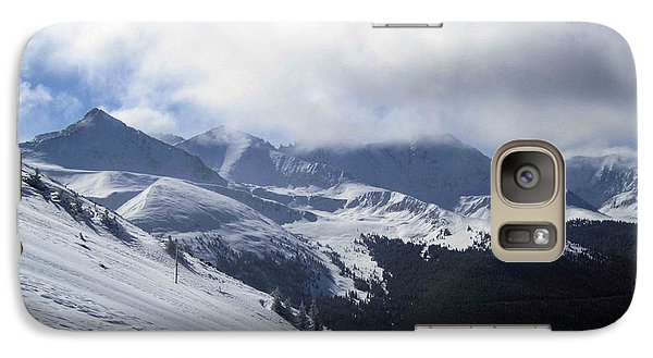 Galaxy Case featuring the photograph Skiing With A View by Fiona Kennard
