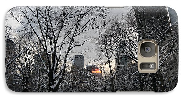 Galaxy Case featuring the photograph Snow In The City by Winifred Butler