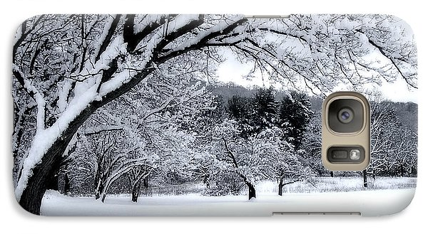 Galaxy Case featuring the digital art Snowfall by Bruce Rolff