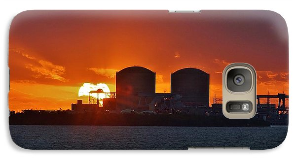 Galaxy Case featuring the photograph Solar Power Reduction by Lynda Dawson-Youngclaus