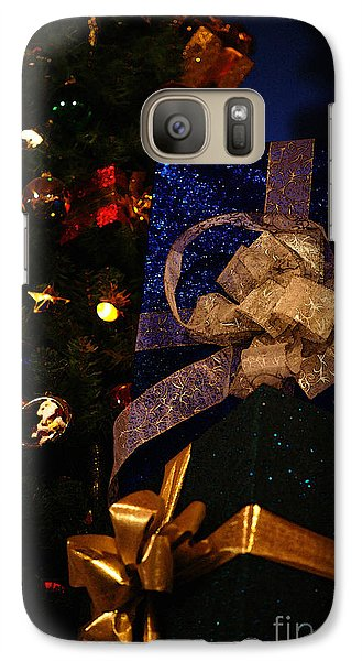 Galaxy Case featuring the photograph Sparkle Ribbon And Bows by Linda Shafer