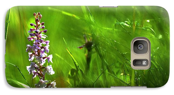 Galaxy Case featuring the photograph Summer At Grass Roots Level by Kennerth and Birgitta Kullman