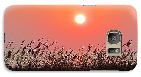 Galaxy Case featuring the photograph Sunset At The Beach by Cynthia Guinn