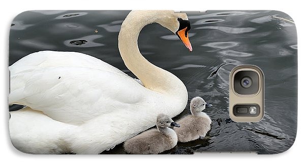 Galaxy Case featuring the photograph Swan And Cygnets by Kathy King