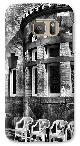 Galaxy Case featuring the photograph Takin It To Da Bank  by Robert McCubbin