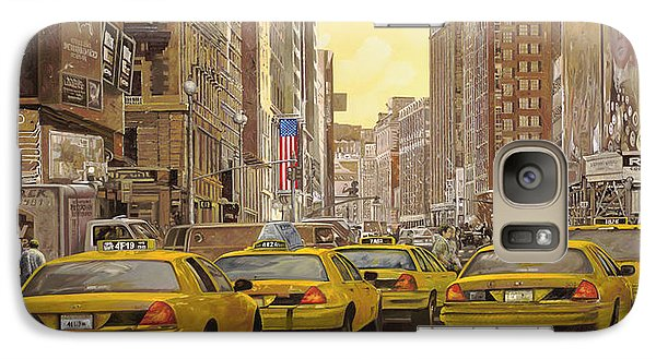 taxi a New York Galaxy S7 Case by Guido Borelli