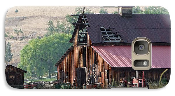 Galaxy Case featuring the photograph The Barn by Ron Roberts
