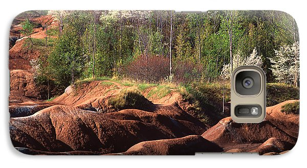 Galaxy Case featuring the photograph The Cheltenham Badlands by Gary Hall