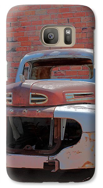 Galaxy Case featuring the photograph The Pick Up by Lynn Sprowl