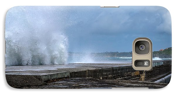 Galaxy Case featuring the photograph The Wave by Thierry Bouriat