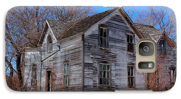 Galaxy Case featuring the photograph This Old House by Larry Trupp
