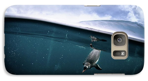 Penguin Galaxy S7 Case - Through The Interface by Justin Hofman