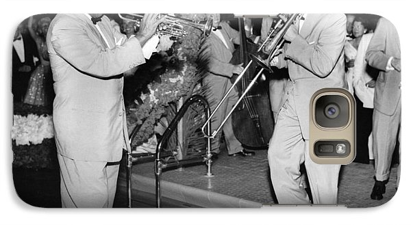 Trombone Galaxy S7 Case - Trumpeter Louis Armstrong by Underwood Archives