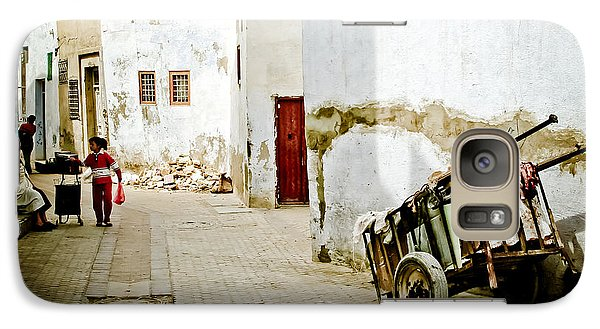 Galaxy Case featuring the photograph Tunisian Girl by John Wadleigh