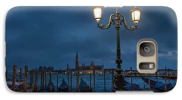 Galaxy Case featuring the photograph Venice Streetlight by Phyllis Peterson