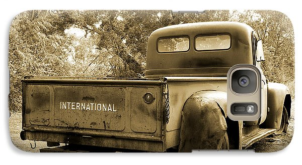 Galaxy Case featuring the photograph Vintage International by Steven Bateson