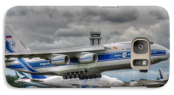 Galaxy Case featuring the photograph Volga-dnepr An124  by Jeff Cook
