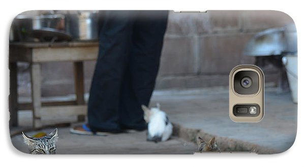 Galaxy Case featuring the photograph Waiting For Lunch by Ronda Broatch
