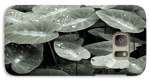 Galaxy Case featuring the photograph Water On Ivy by Ellen Cotton