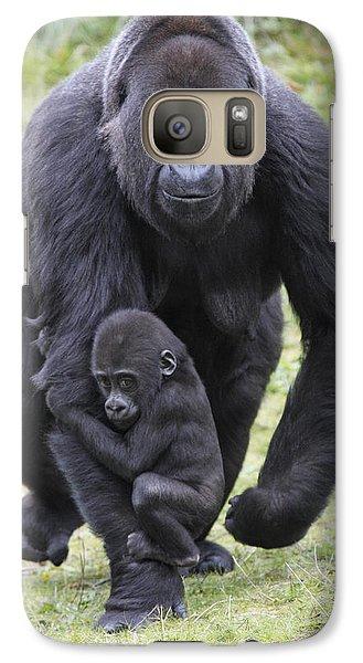 Western Lowland Gorilla Walking Galaxy S7 Case by Duncan Usher