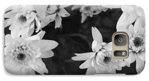 Daisy Galaxy S7 Case - White Flowers- Black And White Photography by Linda Woods