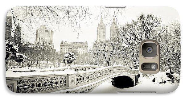 Winter's Touch - Bow Bridge - Central Park - New York City Galaxy S7 Case by Vivienne Gucwa